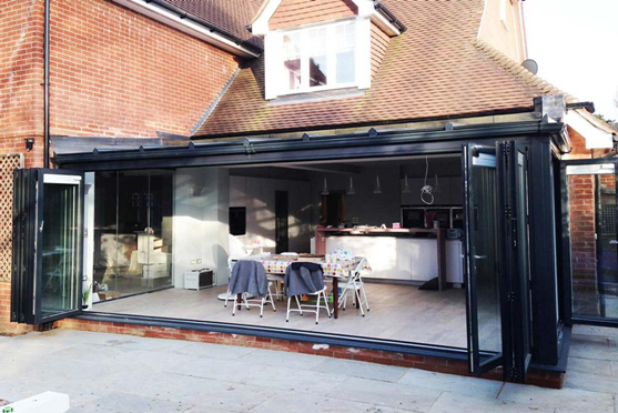 HOW TO CARRY OUT BIFOLD DOOR INSTALLATION IN THE BEST POSSIBLE WAY